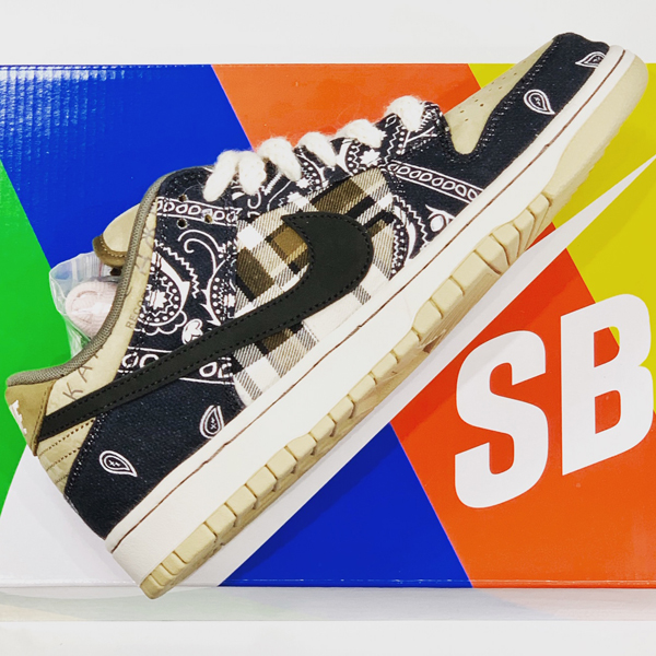 Nike SB Dunk Low PRM QS Travis Scott 買取りました