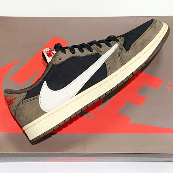 NIKE AIR JORDAN1 LOW TRAVIS SCOTT